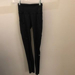 Lululemon black legging, sz 2, 71320